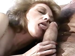Hairy 70s Cougar Getting Her Muff Aired